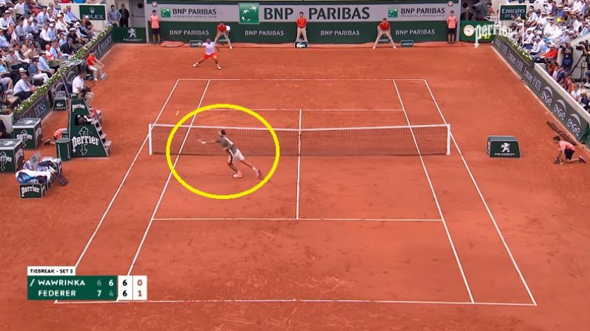 Roger Federer hits amazing volley