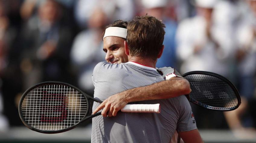 French Open fun June 4: Federer, Wawrinka, Nishikori, Vondrousova, more
