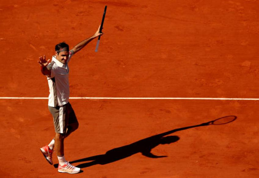 Roger Federer can do exactly what he wants, says Rod Laver