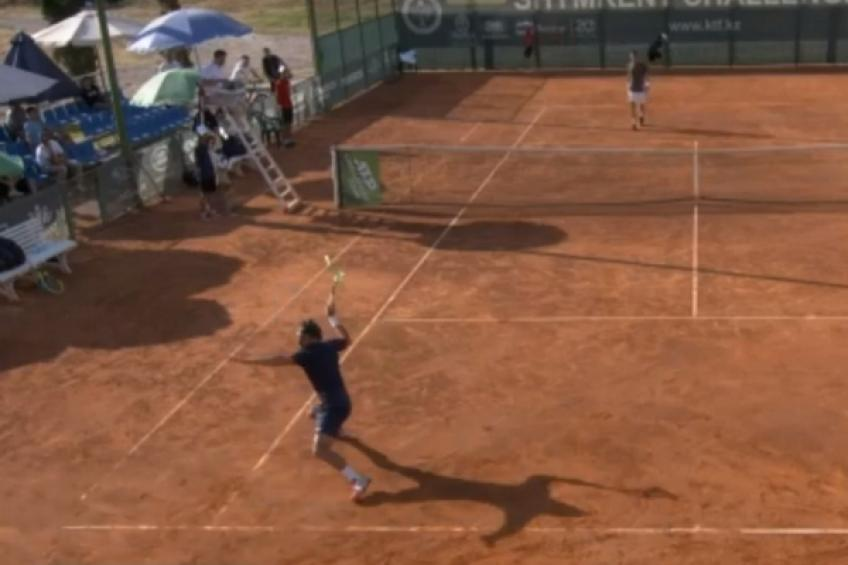 Mario Vilella Martinez destroys and throws racquet in rage after tight loss