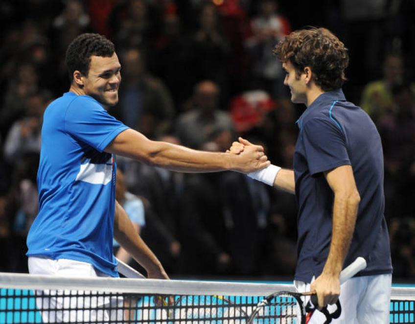 Tsonga sets up Federer clash in Halle