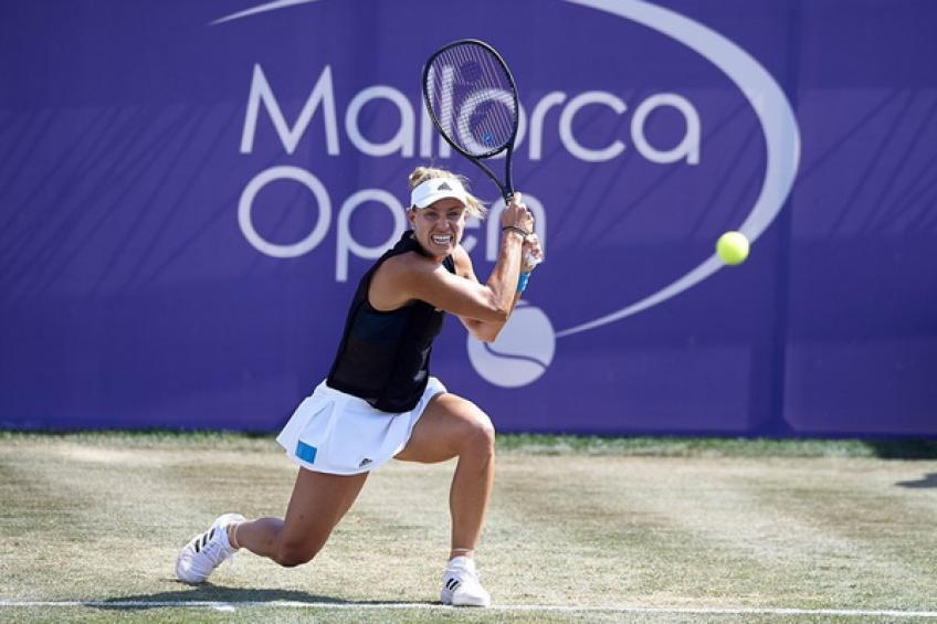 WTA Mallorca: Angelique Kerber eases past Maria Sharapova to reach quarters