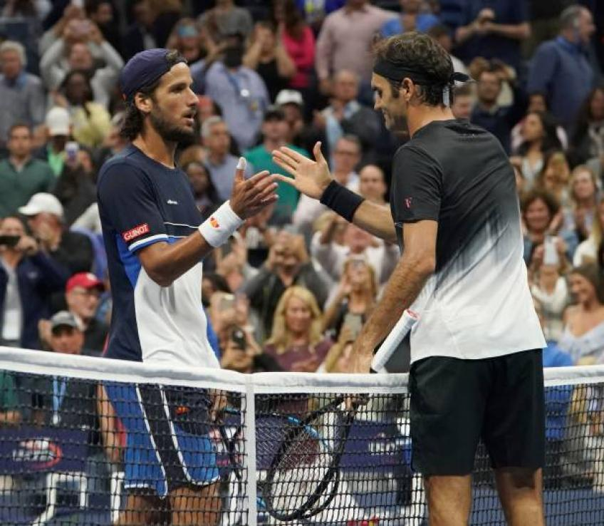 Roger Federer may be top ten player at 40 years, says Lopez trainer