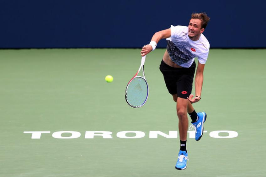 Daniil Medvedev (First service motion) and the Forehand volley