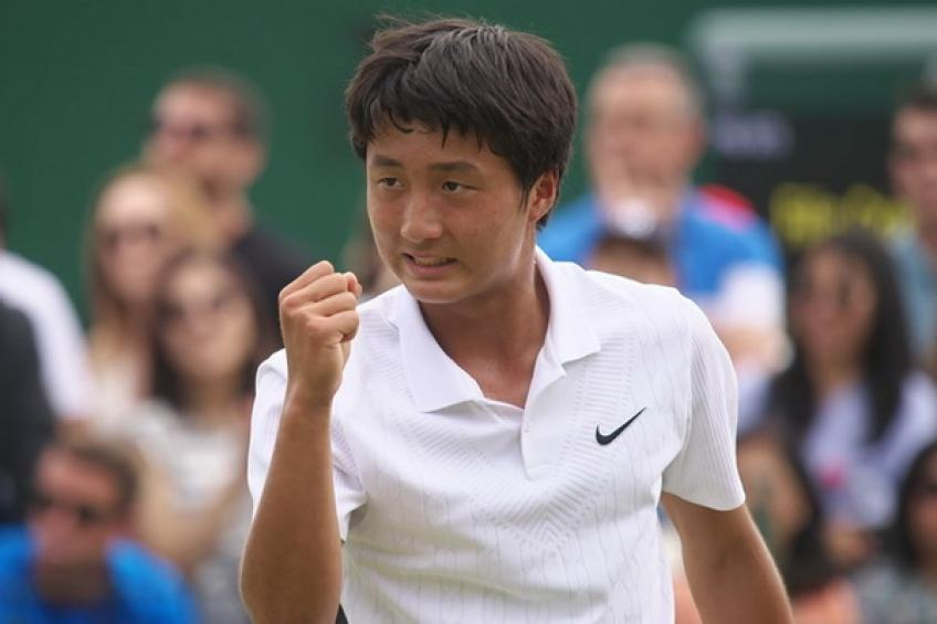 Wimbledon Juniors: Mochizuki and Gimeno Valero reach boys' final