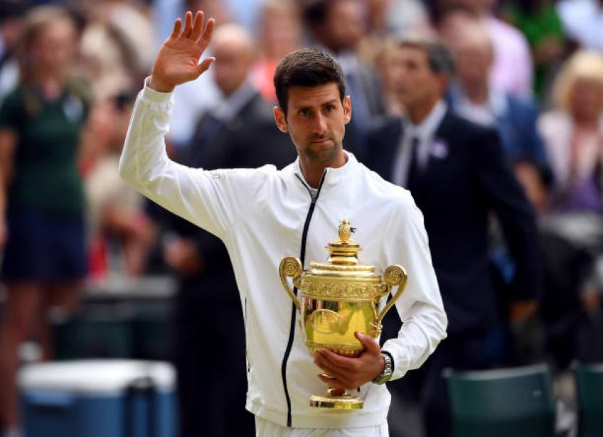 Djokovic looks like he could catch Federer, Nadal