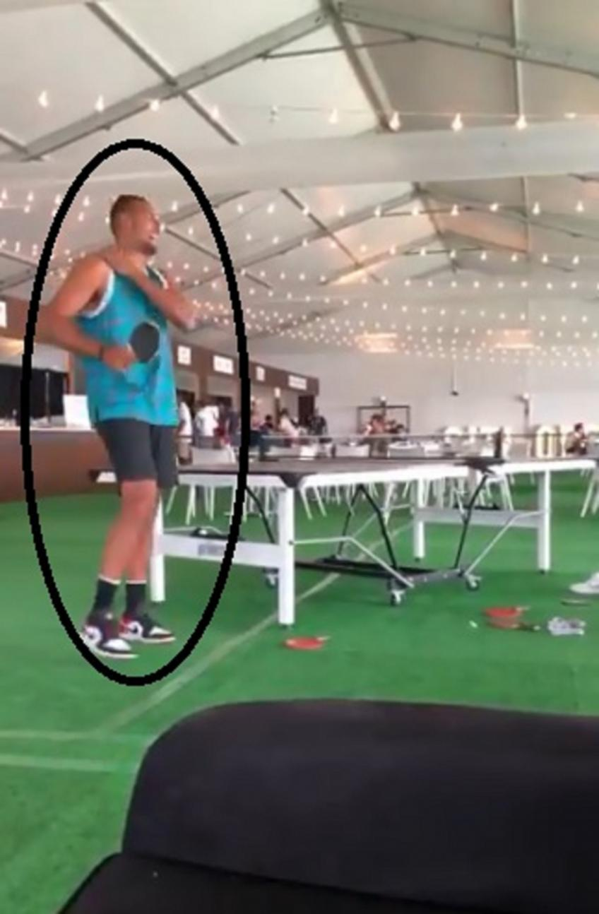 Nick Kyrgios plays table tennis before Citi Open final