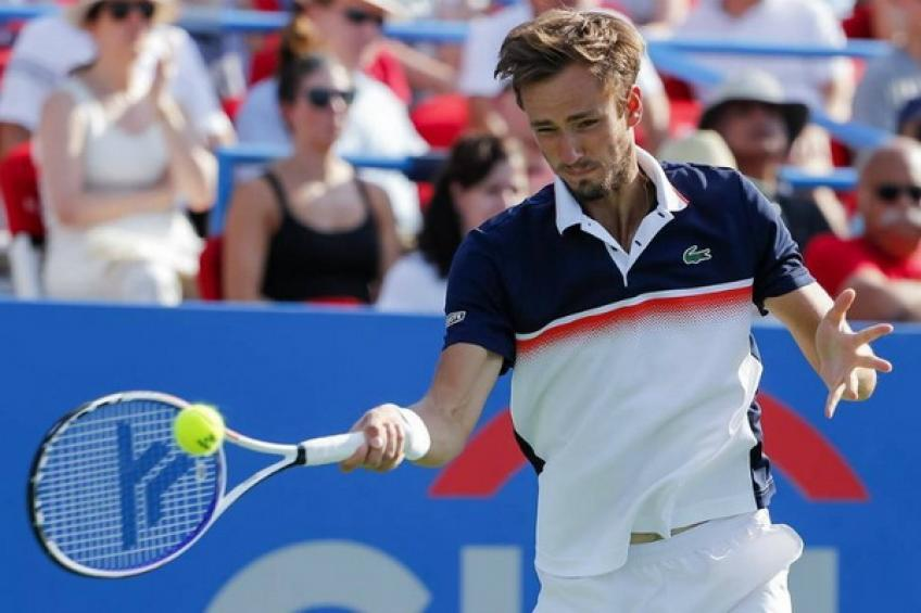 Russian rising stars cruise into Canadian Open semi-finals