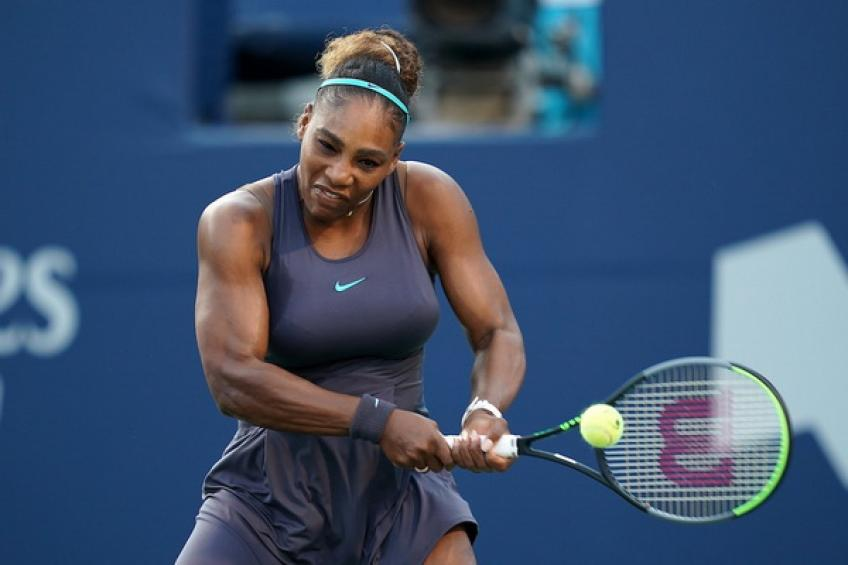 WTA Toronto: Serena Williams sinks Naomi Osaka in strong fashion