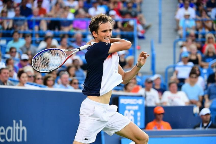 Cincinnati title lands Medvedev in world top 5