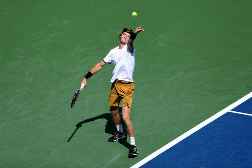 ATP Winston-Salem: Roger Federer's conqueror marches on. Paire, Johnson win