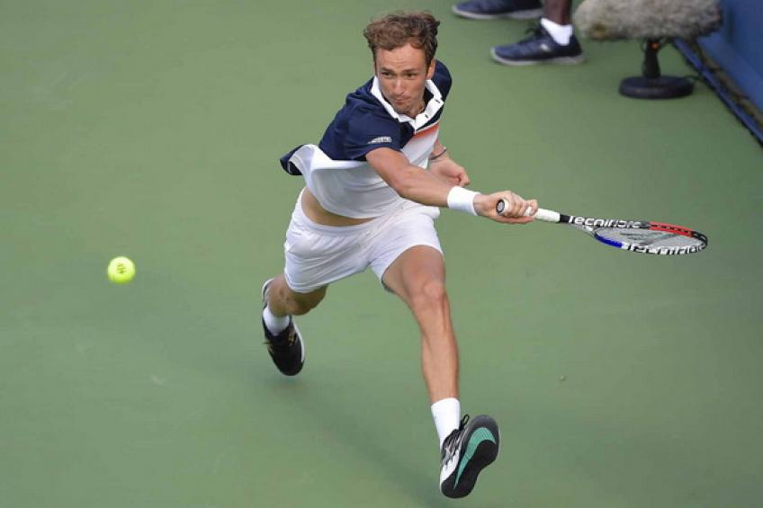 ATP US Open: Dark horses Kei Nishikori and Daniil Medvedev advance into R2