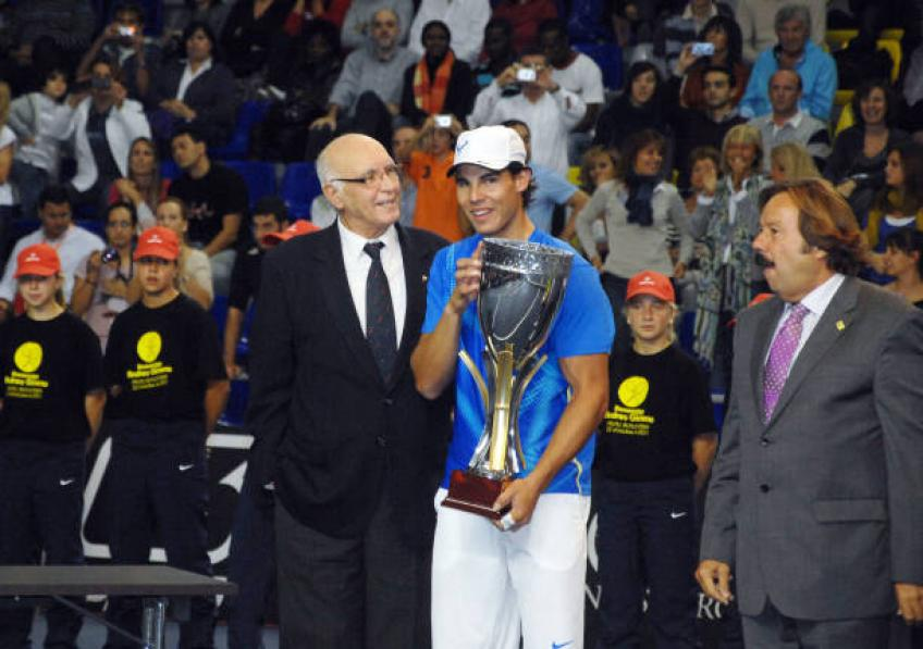 Rafael Nadal reacts to Spanish tennis legend's death
