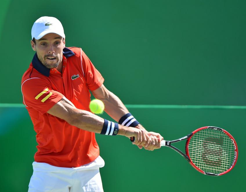 Spain cruise into Davis Cup last eight, holders Croatia eliminated