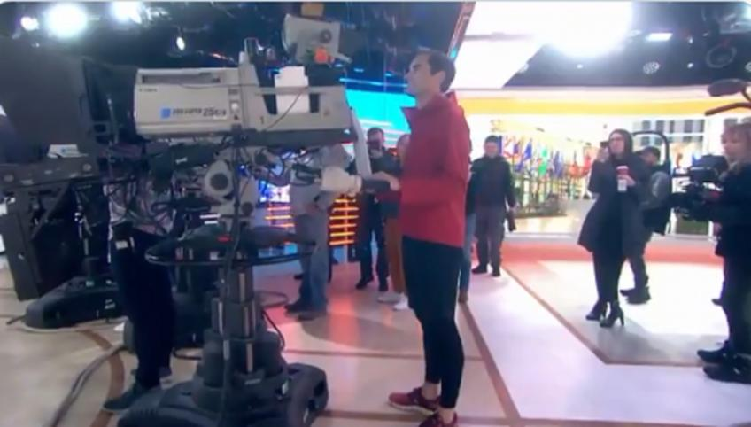 Federer works as new camera operator on TV show!