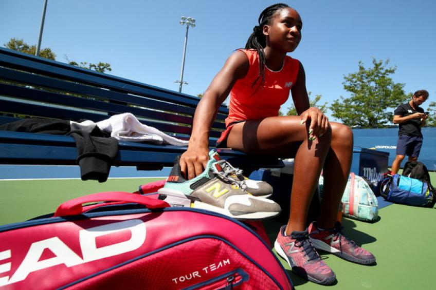 Cori Gauff receives signed sneakers from Zion Williamson