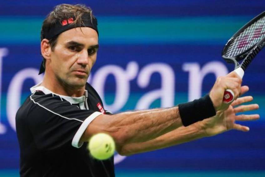 No one plays tennis like Roger Federer does, says former football star