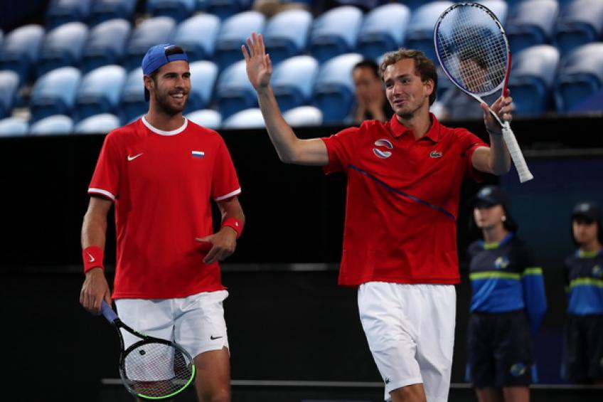 ATP Cup: Karen Khachanov and Daniil Medvedev sink Italy for winning start
