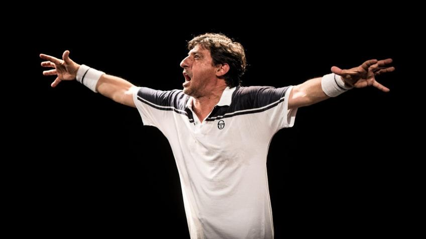 Actor Emilio Solfrizzi Challenges Roger Federer in One Man Show 'Roger'