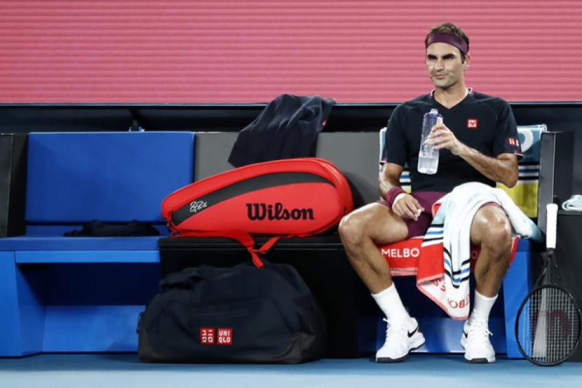 ATP Australian Open: Roger Federer takes medical timeout and loses third set