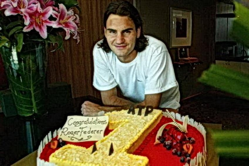 On this day: Roger Federer becomes world No. 1 for the first time
