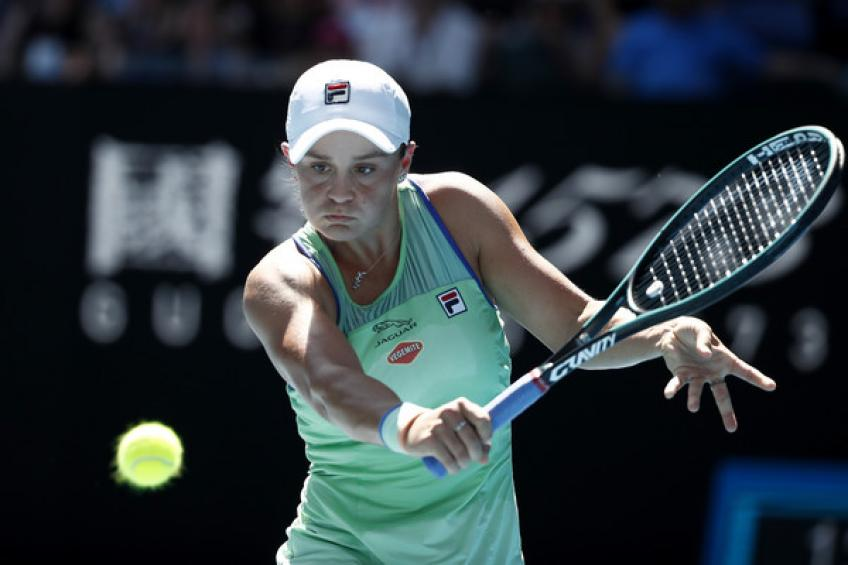 Bencic soars, then crashes in Dubai