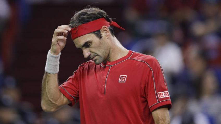 Federer has knee surgery, won't be seen until grass season