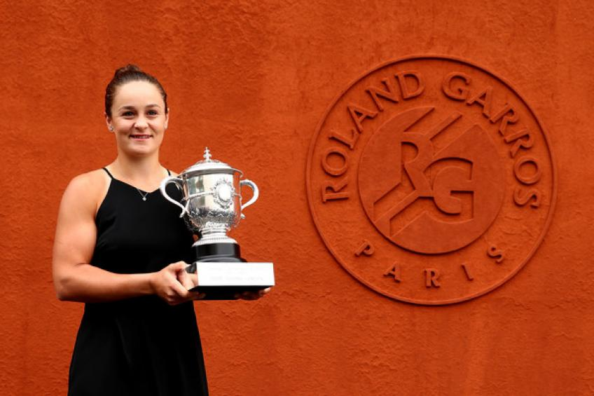 Ashleigh Barty: 'I will defend Roland Garros crown whenever they schedule it'