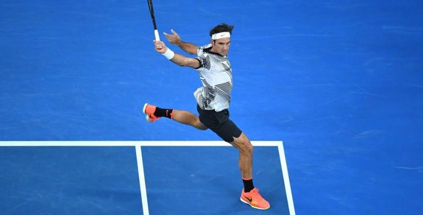 Roger Federer will try two-handed backhand after seeing the benefits