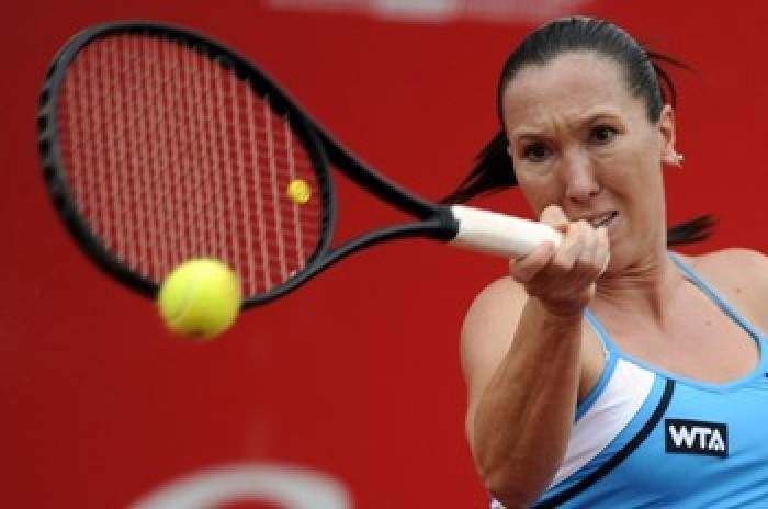 WTA Bogota - Top seed Jelena Jankovic advances to semi finals