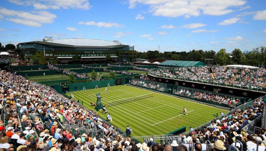 "Wimbledon head groundsman: ""In autumn, the courts get slippery"""