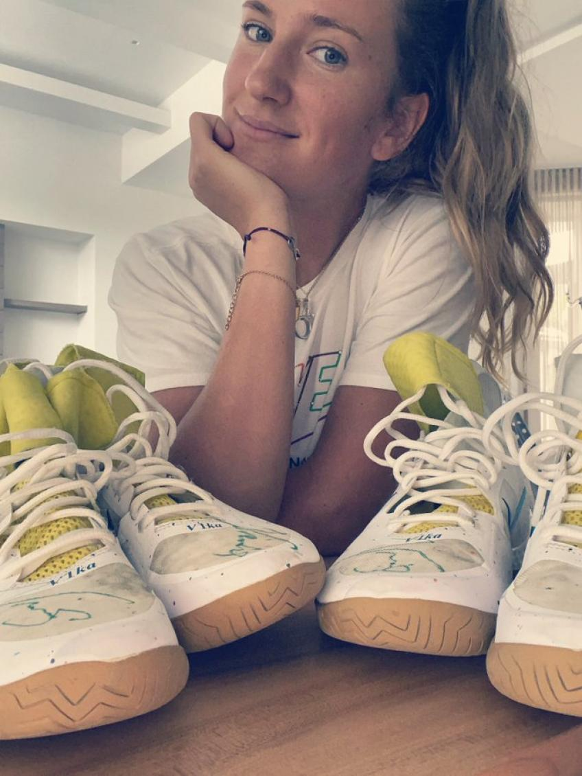 Victoria Azarenka to Auction Autographed Custom Tennis Shoes for Miami Residents
