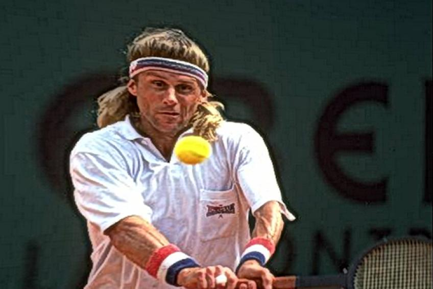 ThrowbackTimes Monte Carlo: Bjorn Borg returns with a wooden racquet, only to..