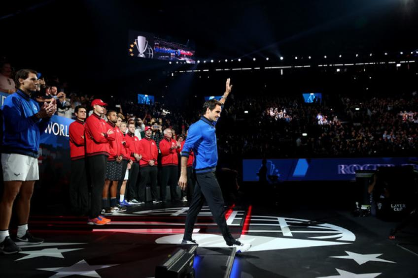 Jimmy Connors urges Roger Federer to keep going