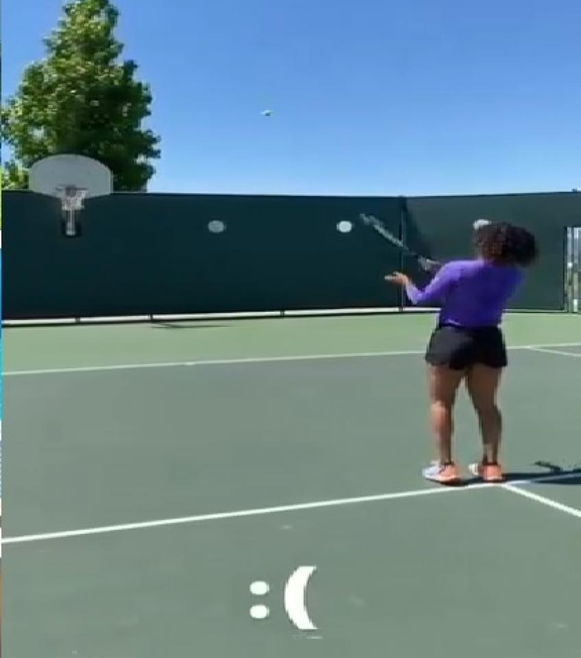 This Naomi Osaka miss will surely make amateurs feel better about their own game