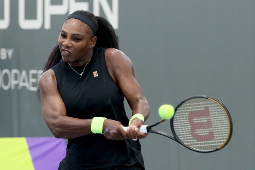 WTA Lexington: Serena Williams battles past sister Venus to reach quarters