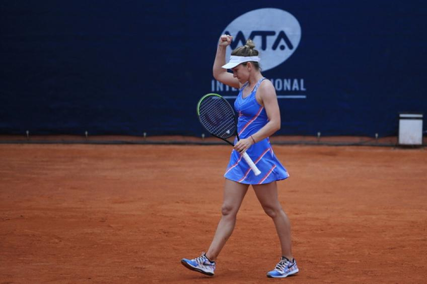 WTA Prague: Simona Halep sprints past Magdalena Frech to reach semis
