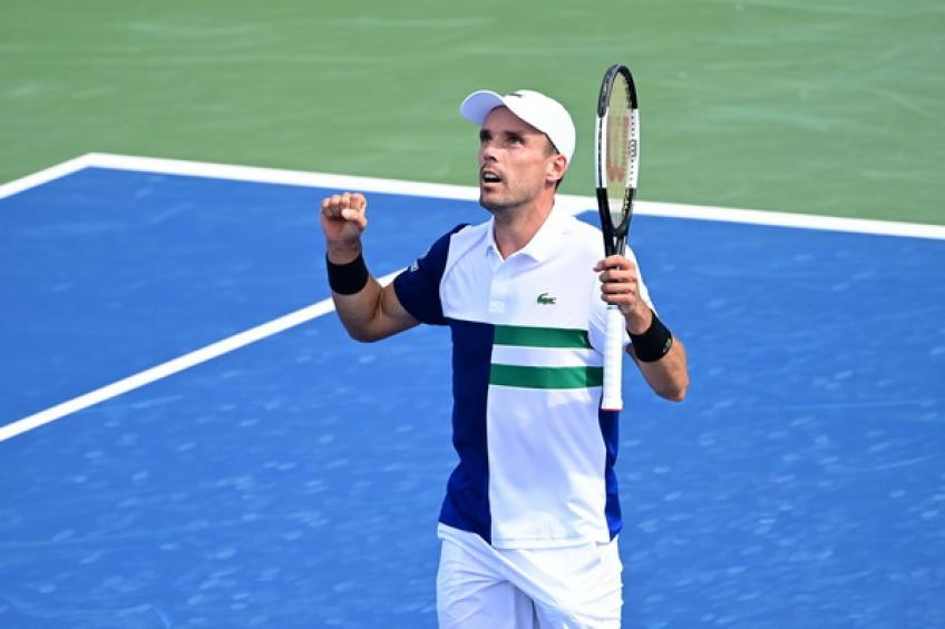 2020 in Review: Roberto Bautista Agut dethrones Medvedev to set Djokovic clash