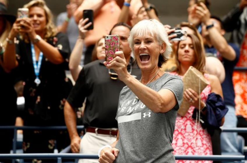 Mom Judy will be cheering for sons Jamie & Andy Murray on television this year