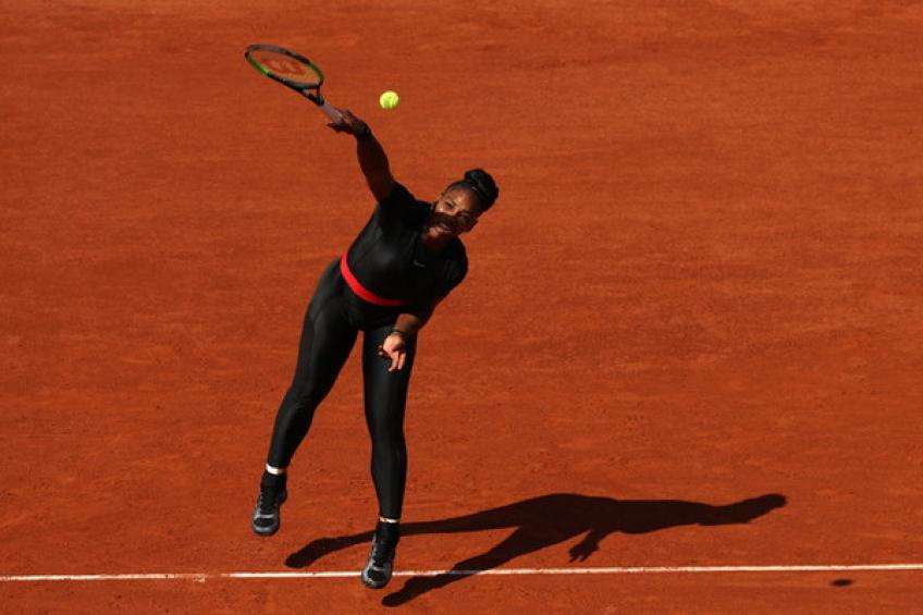 Serena Williams trains at Mouratoglou Tennis Academy ahead of Roland Garros