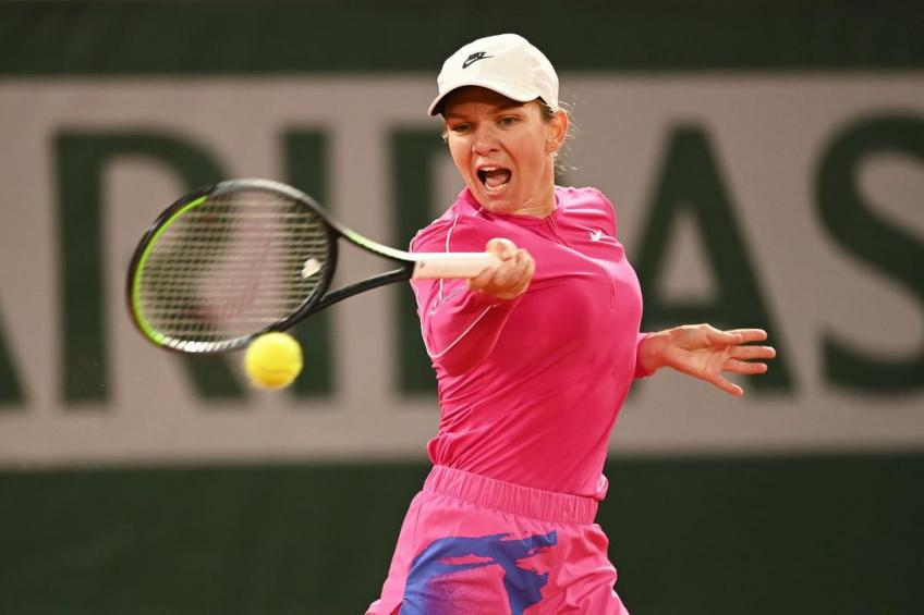 Simona Halep: 'I'm not happy with the playing conditions'