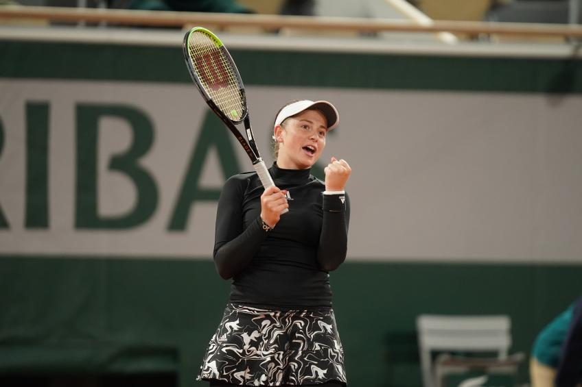 Pliskova knocked out of Roland Garros by Ostapenko