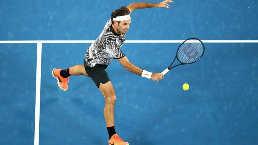 'Roger Federer gives you the impression that everything is rolling', says ATP star