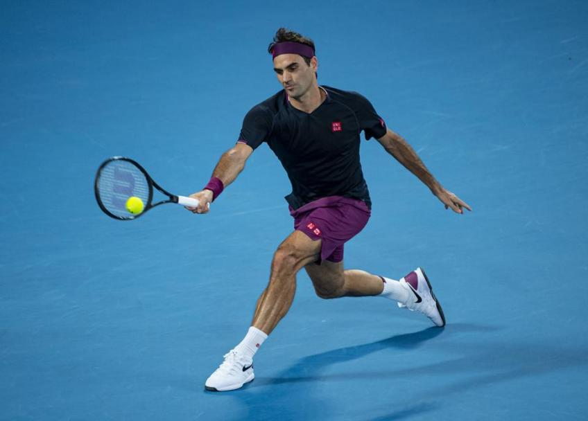 'Warming up with Roger Federer has been...', says young star