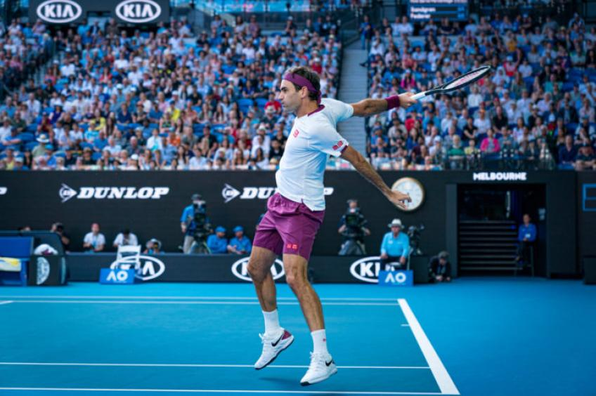 Roger Federer: 'I don't think my shoulder would survive that'