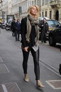 SUPER HOT Maria Sharapova spotted in LEATHER PANTS! (PICS INSIDE)