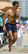 Classy Roger Federer enjoys beach time in Miami with family