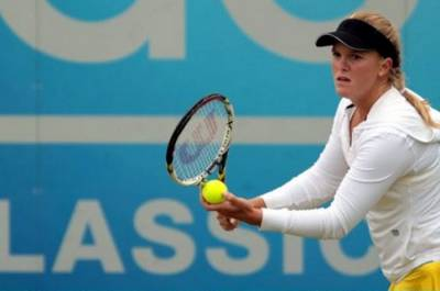 Tennis - American Melanie Oudin moves into final round of qualifying