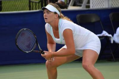 ITF Canada - Coco Vandeweghe and Melanie Oudin advance to the second round
