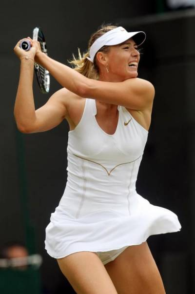 Wimbledon: Maria Sharapova easily through to round 2